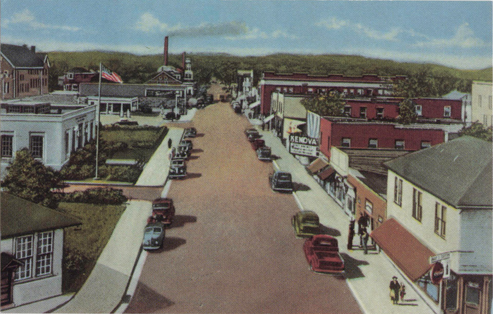 1947 View of Chestnut Street, Kenova, West Virginia. Issued by Griffith & Feil Drugs, Kenova WV