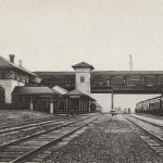 Union Passenger Station, Kenova, W. Va., showing trains from N&W RR.  Bridge and B&O RR at left and C&O RR at right. Issued by Griffith & Feil Drugs, Kenova WV